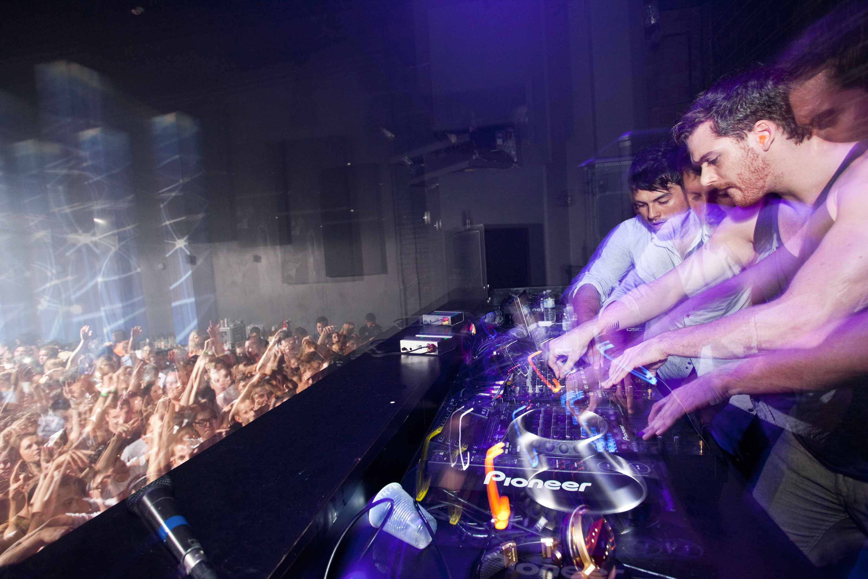 'Club step' duo command Beta