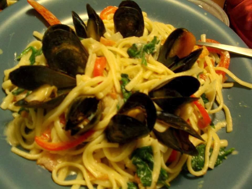 Anna's Eats: Student Simple But Delicious Mussel Pasta